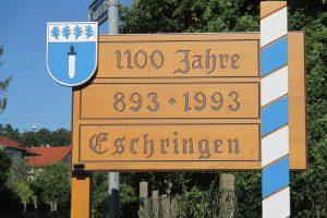 Ortseingangsschild, angefertigt für 1100 Jahre Eschringen